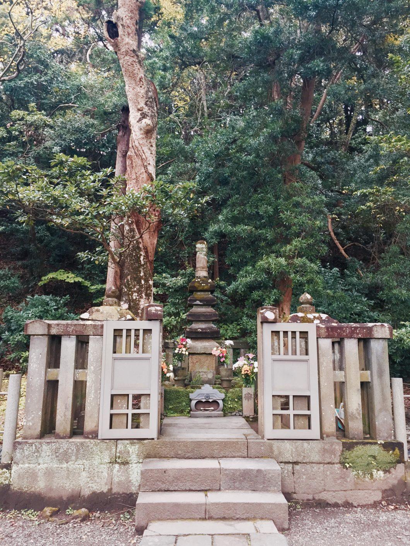【鎌倉】頼朝の墓の守り人との出会い